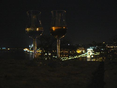 Budavári pálinka- és kolbászfesztivál: ami a gyümölcsből és sertésből maradt