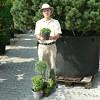 Földlabdás vagy konténeres dísznövényt érdemesebb venni? Videó!