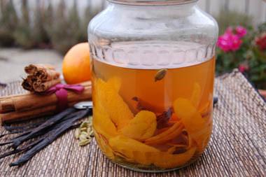 Még van idő elkészíteni: karácsonyi narancsos vodkalikőr