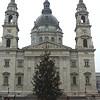 Köztéri karácsonyfa-körkép - neked melyik tetszik?