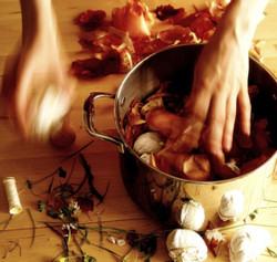 Így fessünk tojást hagymahéjjal