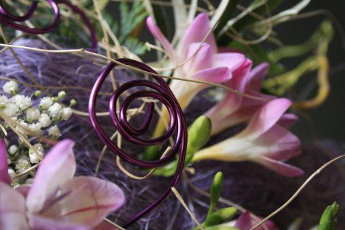 lila asztalicsokor