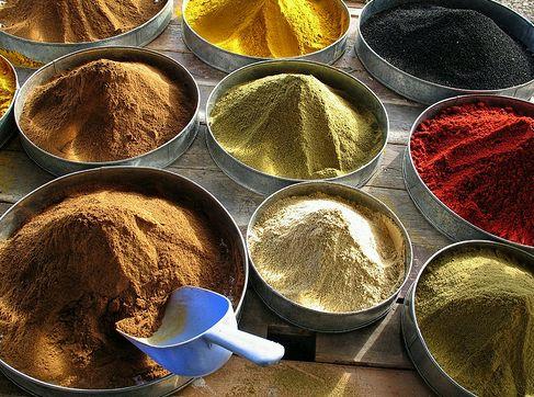 fűszerek a piacon
