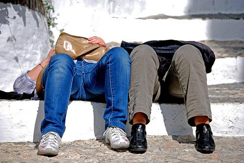 pihenés az utcán