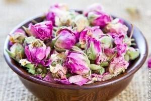 Készítsünk potpourrit szárított rózsából!