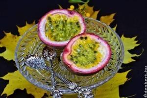 Egészséges egzotikus gyümölcsök: maracuja, rambután, licsi, kumkvat, csillaggyümölcs