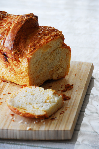 megsult-sajtos-kenyer