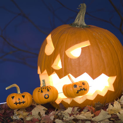 http://www.edenkert.hu/kiallitas-es-vasar/halloween-top-10-eszmeletlen-tokfaragasi-otletek/4134/08_400/08_400.jpg