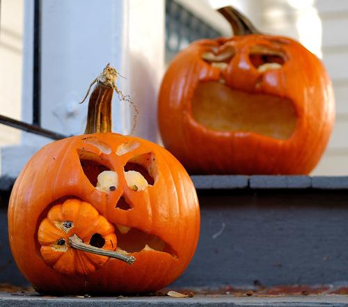 Halloween-tök-faragás