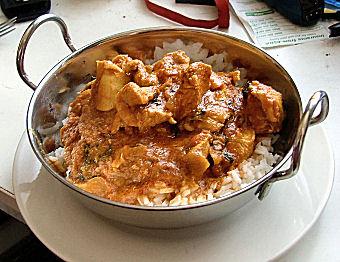 Curry-csirke-édesburgonya-karfiol