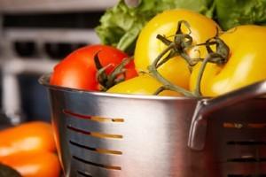 Mit tegyünk, hogy ne a hernyók egyék meg a zöldségféléinket?