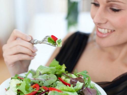 Kevesebb hús, több gyümölcs és zöldség fogyasztásával emberek millióinak idő előtti halálát lehetne megelőzni évente