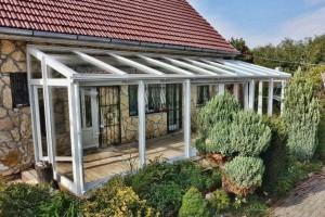 Télikert vagy teraszbeépítés, s egy új nappalival bővül a ház
