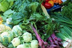 Május végi zöldség-gyümölcs piacles