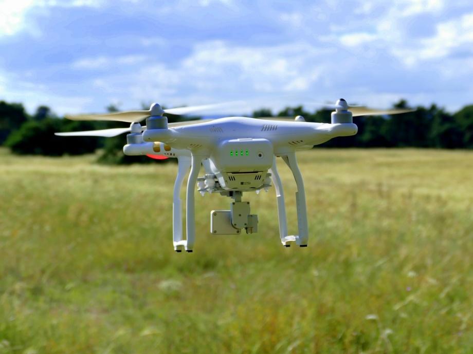 drone-1624903_1280