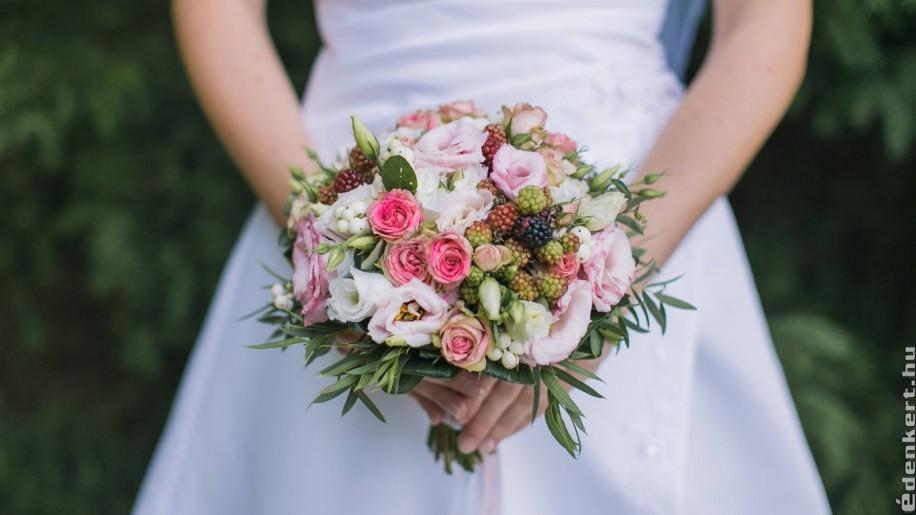 Trendi nyári esküvői virágcsokrok 2020-ban