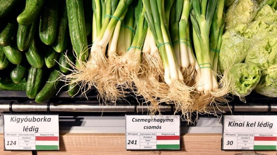 Átfogó zöldség-gyümölcs ellenőrzés a budapesti piacokon: hiányosságok a jelölésnél