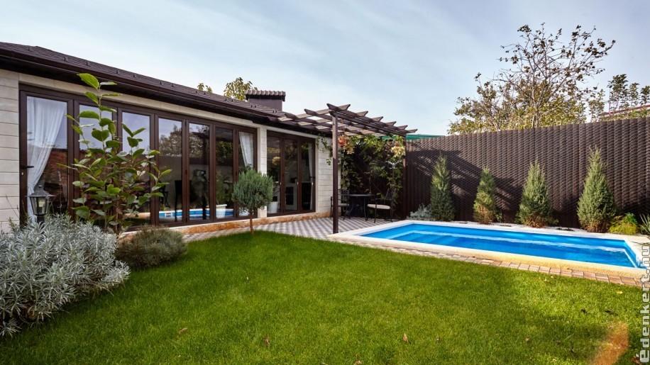 10 indok, hogy saját medencét építsünk a kertben