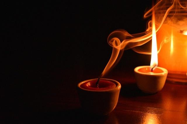 candle-4870098_640