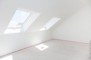 Döntsön Ön is a tetőablak árnyékoló használata mellett!