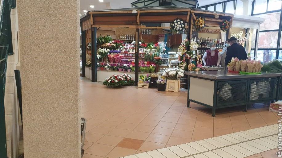 Nyitva maradnak a piacon a virágosok