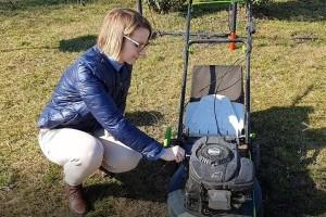 Benzines fűnyíró tavaszi indítása