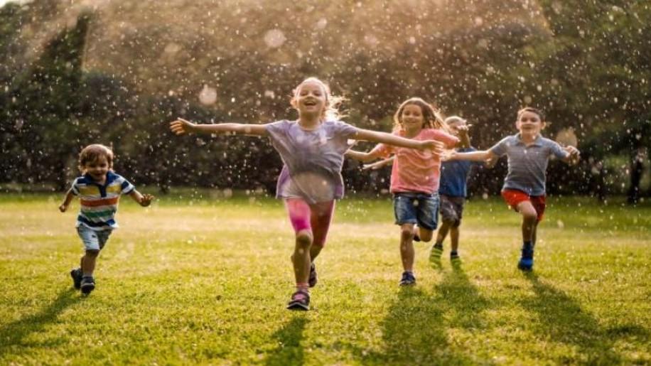 Foglaljuk le a gyerekeket a kertben - kerti móka az egész családnak