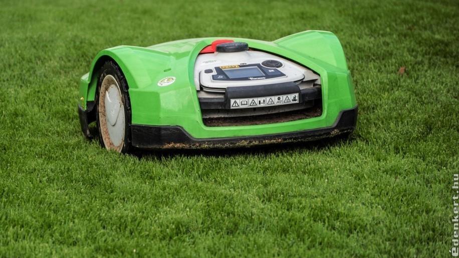 Robotfűnyíró: a csendes kertgyilkos?