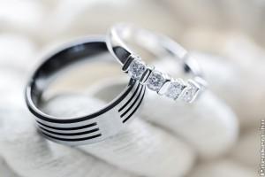 Arany esküvői gyűrű, a nagy nap egyik ékessége