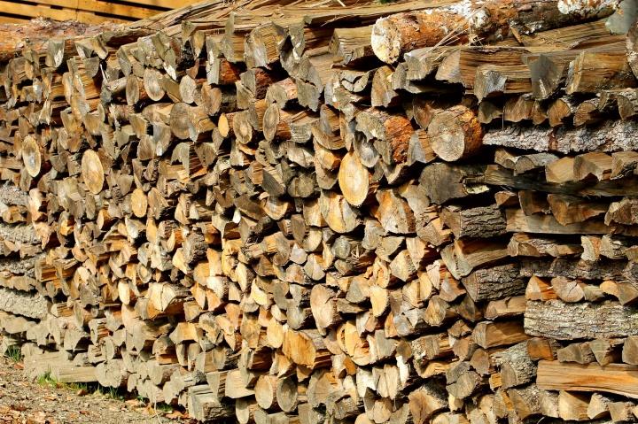 woodpile-1698340_1920