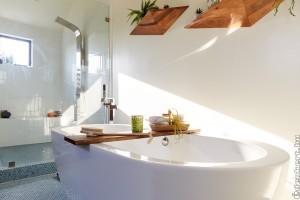 Lenyűgöző fürdőszoba modern bútorokkal
