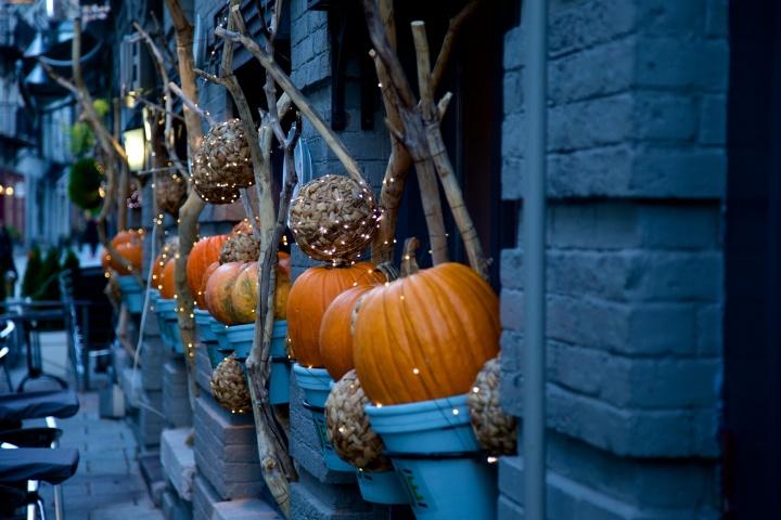 halloween-decorating-2455253_1920